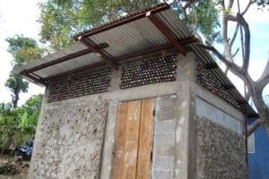 Bottle-building-Nicaragua-2