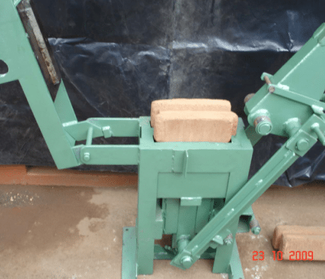Makiga Stabilized Soil Block Press